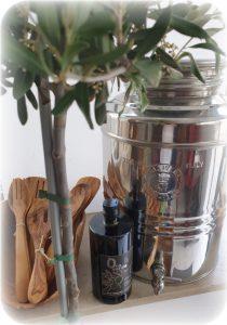 Olivenöl extra Vergine Stilleben